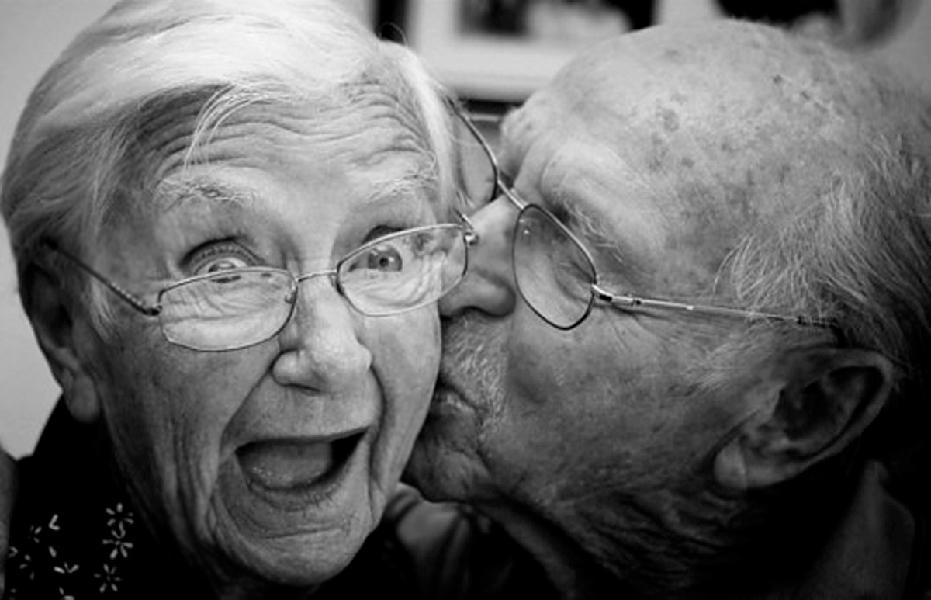 Columna Marca Propia: ¿Somos Viejos de Mierda?