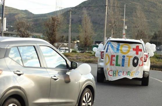 Caravana anti delincuencia se toma las calles de Chicureo