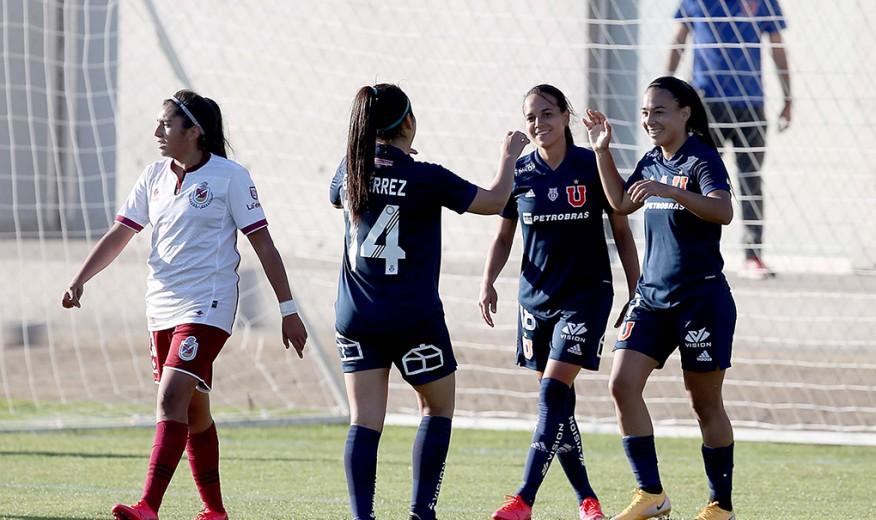 La U. de Chile femenina gana y por decena
