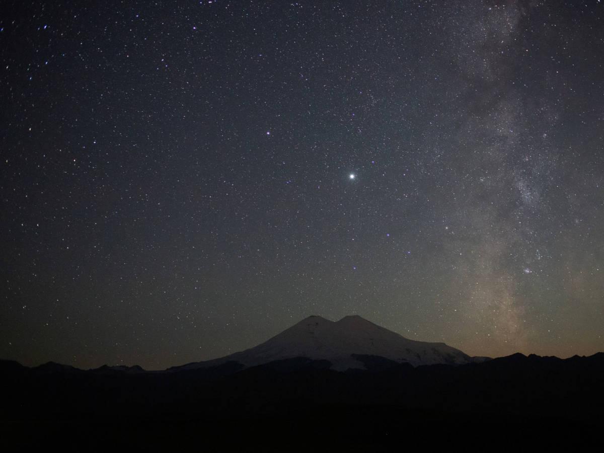 El lado espiritual de la Conjunción de la Luna, Saturno y Júpiter