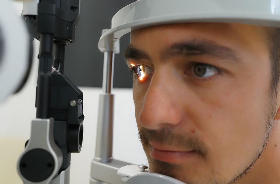 Cómo cuidar tus ojos en verano si tienes glaucoma