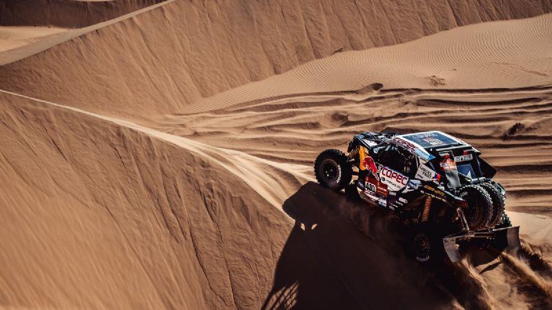 """""""Chaleco"""" López pierde el liderato en el Rally Dakar 2021"""
