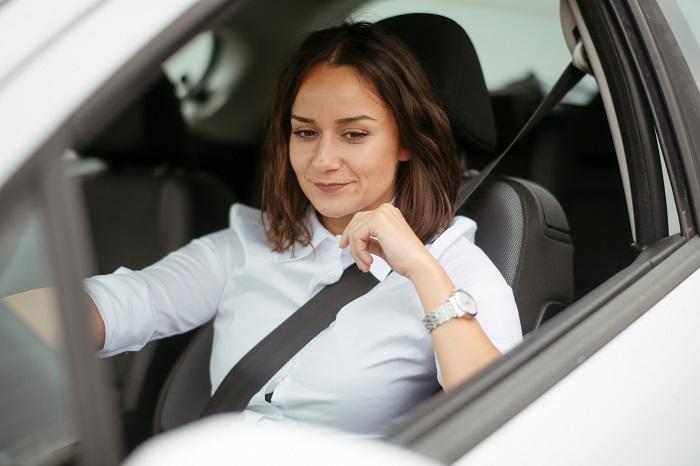 Mujeres y autos: ¿Qué buscan al momento de comprar uno?