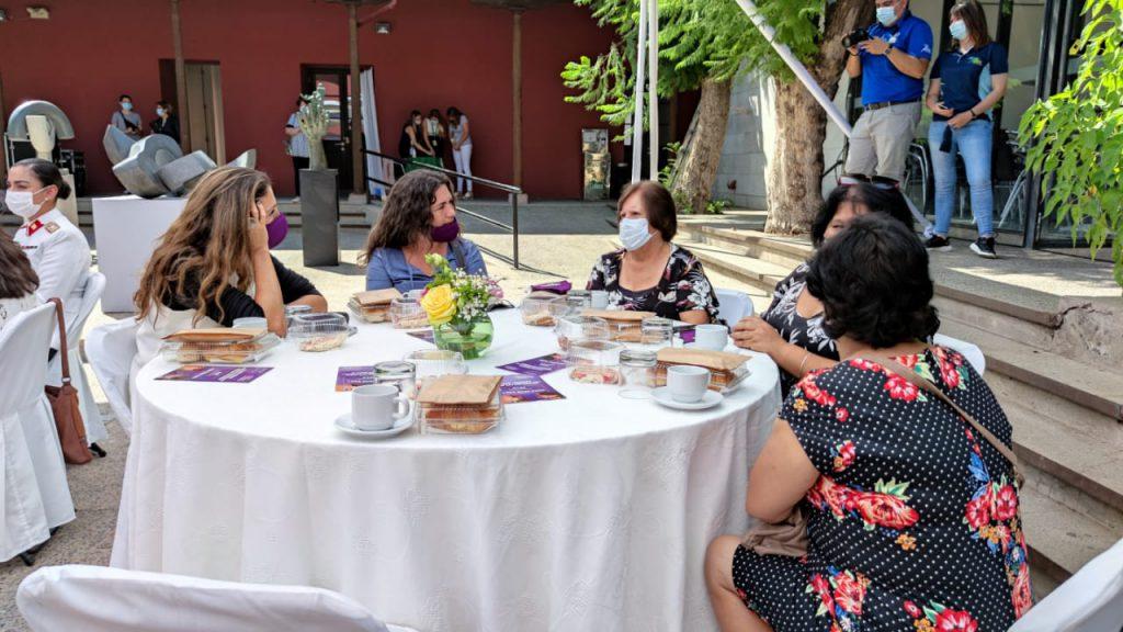 Municipalidad de Colina y el Ministerio de la Mujer homenajean a 12 destacadas líderes de la comuna