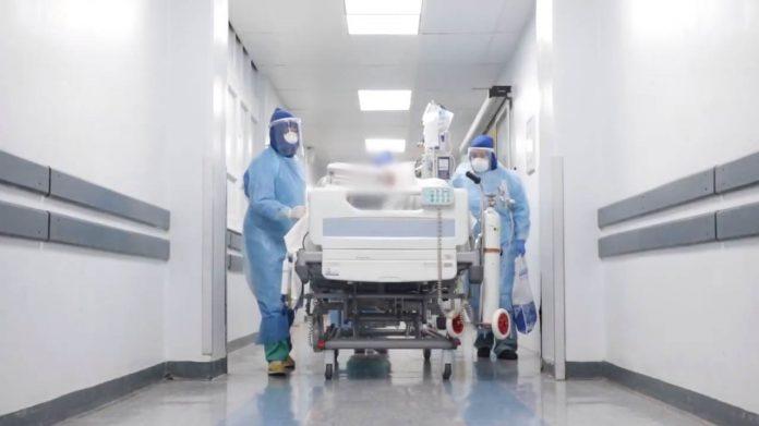 Médica del Hospital Clínico creó himno para acompañar a sus compañeros y al personal de la salud