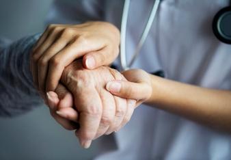 Ley de cuidados paliativos universales: ¿por qué es urgente implementarla?
