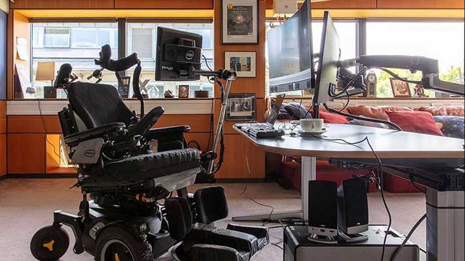 Universidad de Cambridge conservará documentos de Stephen Hawking y su oficina será recreada en un museo