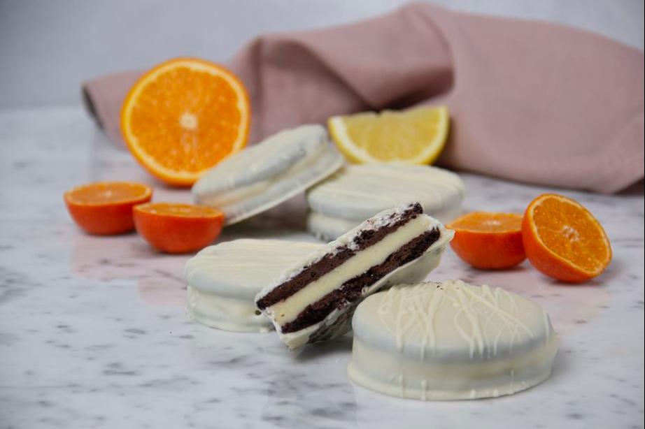 Cómo hacer alfajores de cítricos rellenos con chocolate blanco
