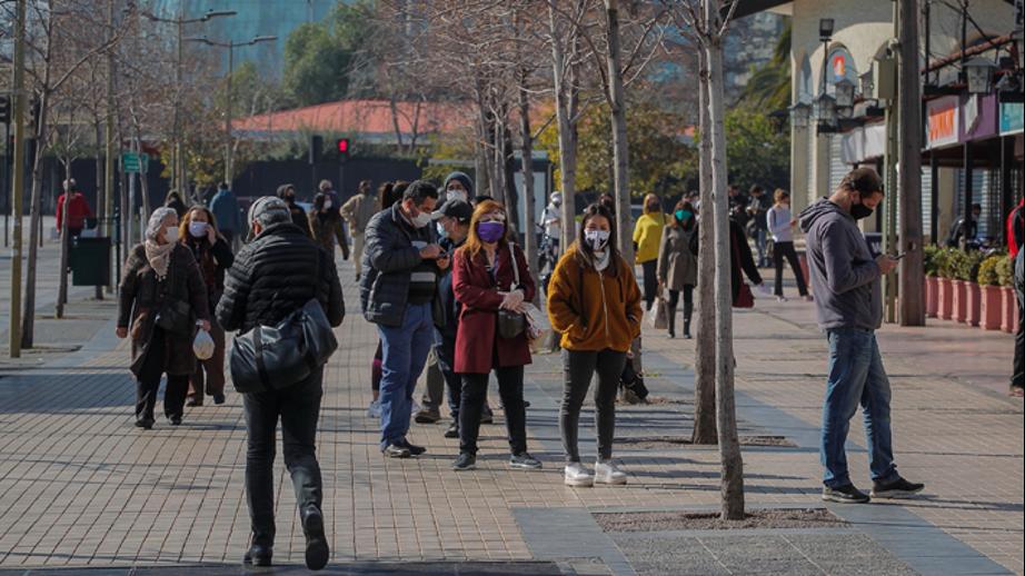 ¿Descapitalización en la economía chilena?: Expertos analizan el impacto de un eventual retiro del 100% de los fondos