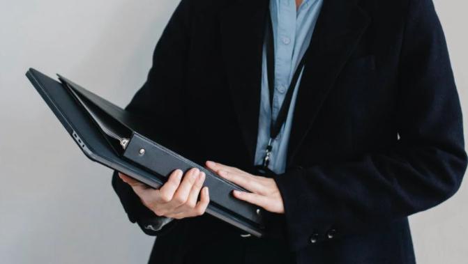 Plataforma conecta a emprendedores y profesionales con una amplia gama de expertos asesores