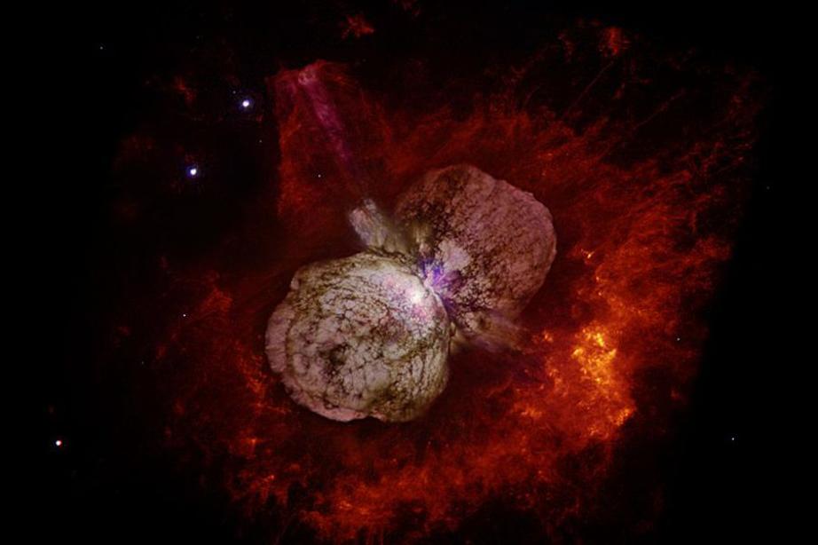 Un nuevo tipo de explosión masiva, 10 veces más potente que una supernova, explica aparición de misteriosa estrella