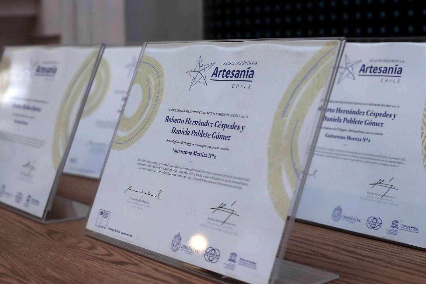 Ministerio de las Culturas y la Pontificia Universidad Católica entregan el Premio Sello de Excelencia a la Artesanía 2021